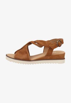 High heeled sandals - sattel obl creme