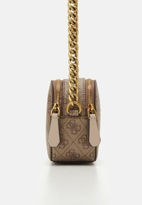 Guess - NOELLE CROSSBODY CAMERA - Torba na ramię - latte - 3