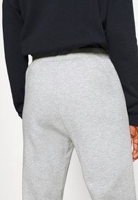 Even&Odd Tall - 2PACK REGULAR FIT JOGGERS - Tracksuit bottoms - black/light grey - 5