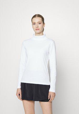 MAGGIE ROLL NECK - Pitkähihainen paita - white