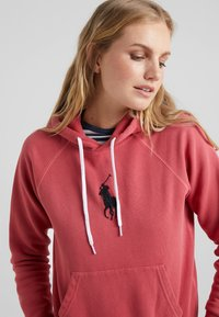 Polo Ralph Lauren - SEASONAL - Hoodie - nantucket red - 4