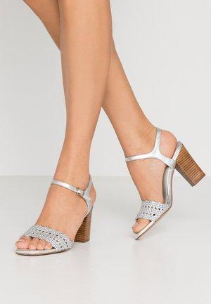 High heeled sandals - metal plata