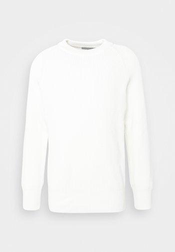 AARON - Neule - off white