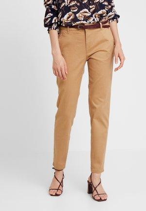 SLIM - Chino kalhoty - camel