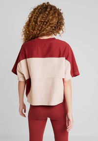 adidas Originals - BOXY TEE - T-shirt med print - ash pearl - 2