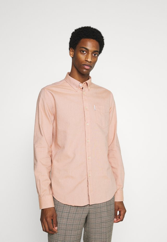 SIGNATURE OXFORD - Shirt - anise