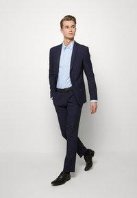 Ben Sherman Tailoring - MIDNIGHT FLECK SUIT - Kostym - navy - 1