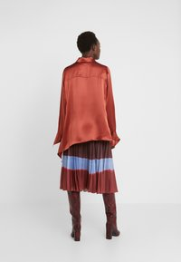 Mykke Hofmann - LINKA - Button-down blouse - copper - 2