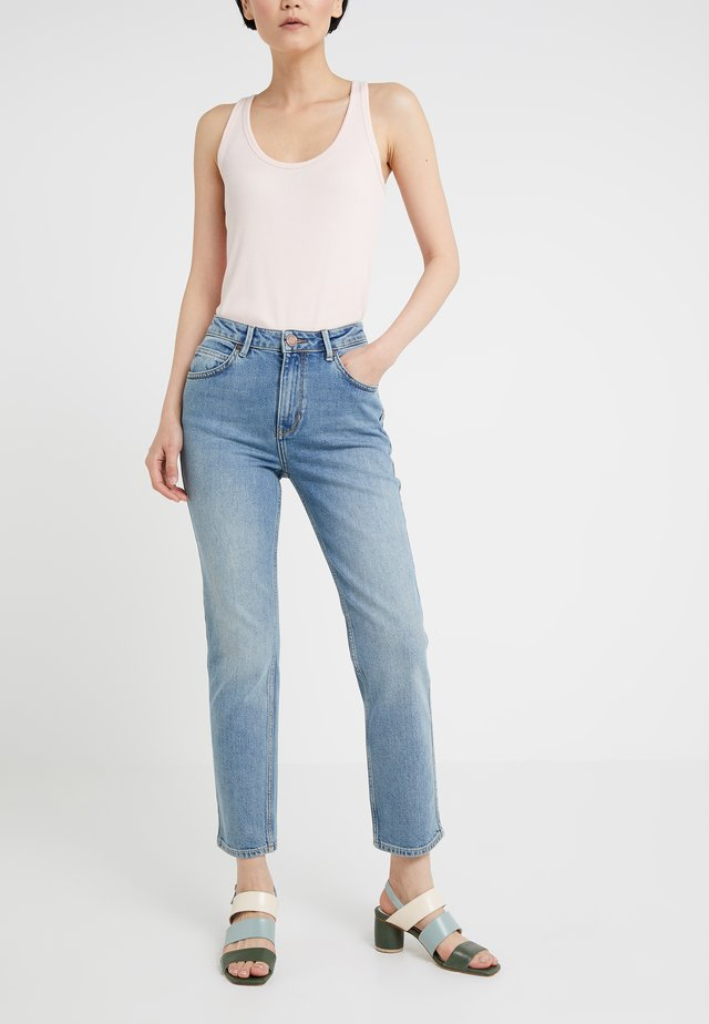 RIGGIS THINKTWICE - Jeansy Straight Leg - light blue