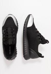 Calvin Klein Jeans - REIKA - Sneakers laag - black/silver - 3