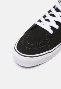 Vans - SK8 UNISEX - Sneakers laag - asphalt/desert sun - 4