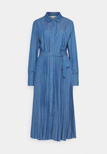 ANNALINA PLEATED - Denim dress - medium