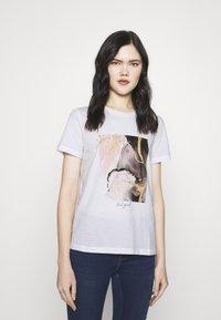 Vero Moda - VMANAIS - Print T-shirt - snow white/beech marble - 0