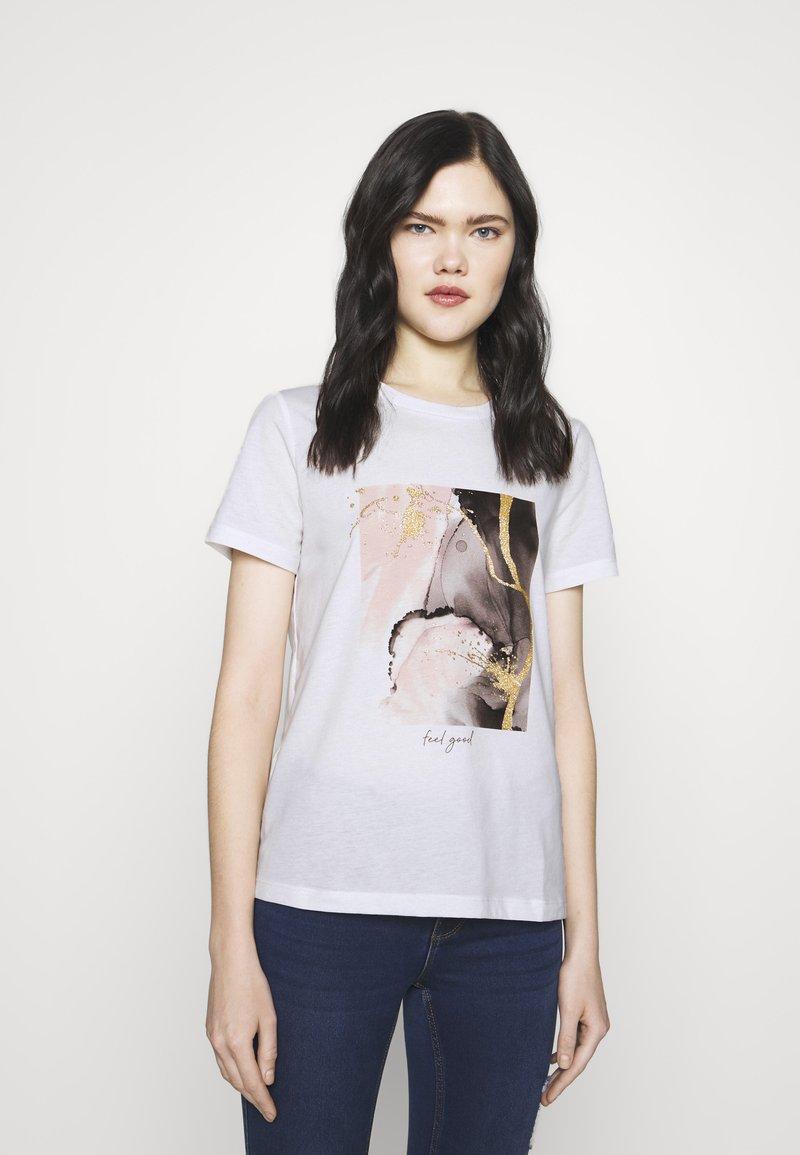 Vero Moda - VMANAIS - Print T-shirt - snow white/beech marble