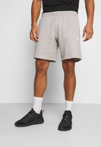 adidas Originals - ESSENTIAL UNISEX - Shorts - mottled dark grey - 0