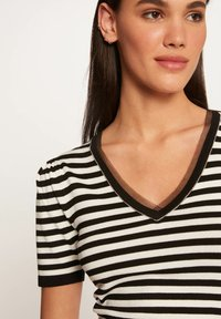 Morgan - Print T-shirt - off-white - 3