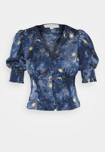 MOON AND STARS SHORTSLEEVE LINDOS