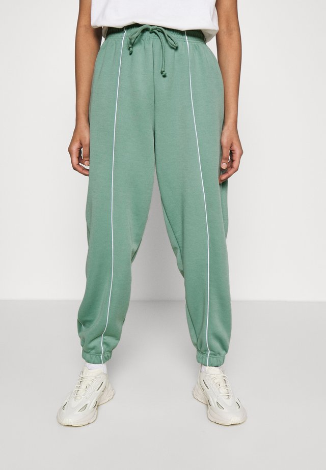 CLEAN SEAMED JOGGER - Trainingsbroek - sage