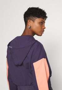 Nike Sportswear - HOODIE - Sweatshirt - dark raisin/crimson bliss/bright mango - 4