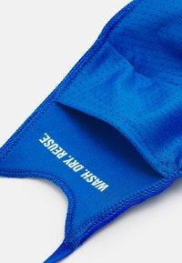 adidas Originals - FACE COVER SMALL UNISEX 3 PACK - Stoffen mondkapje - black/white/bluebird - 2