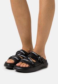 KARL LAGERFELD - KAPRI STRAP  - Pantofle - black - 0