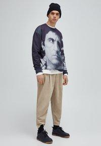 PULL&BEAR - Sweatshirt - mottled black - 1