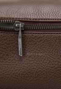 Matt & Nat - OSHIE - Rucksack - brown - 3
