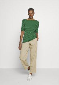 Lauren Ralph Lauren - Print T-shirt - black hedge - 1