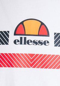 Ellesse - GLISENTA TEE - Triko spotiskem - white - 6