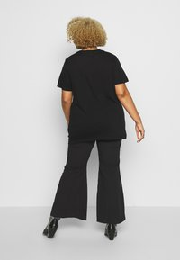 Simply Be - SEQUIN EMBELLISHED MOTIF - T-shirts print - black - 2