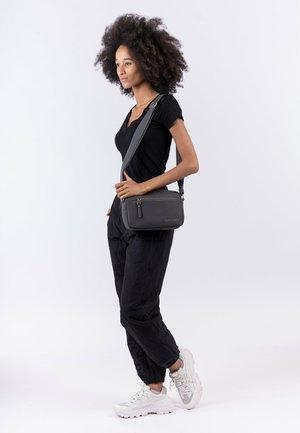 JESSY - Across body bag - black 100
