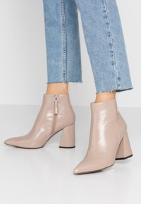 Topshop - HACKNEY POINT - High heeled ankle boots - taupe - 0
