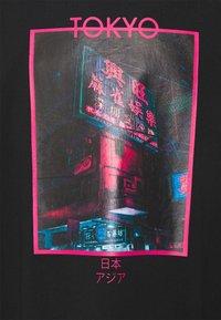 Urban Threads - TOKYO PHOTOGRAPHIC UNISEX  - Printtipaita - black - 2