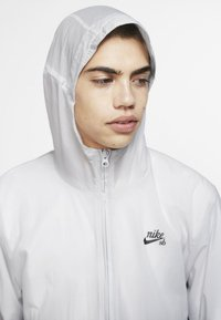 Nike SB - Windbreaker - vast grey/black - 2