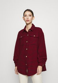 Missguided - DOGTOOTH OVERSIZED SHACKET - Button-down blouse - red - 0