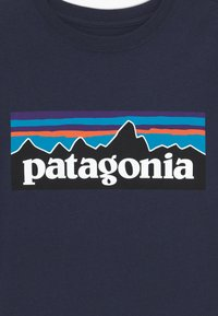 Patagonia - BOYS LOGO - Print T-shirt - new navy - 3