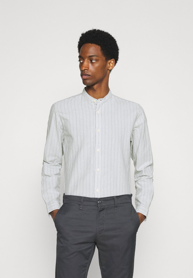 Selected Homme - SLHSLIMMILTON STRIPES - Formal shirt - grey