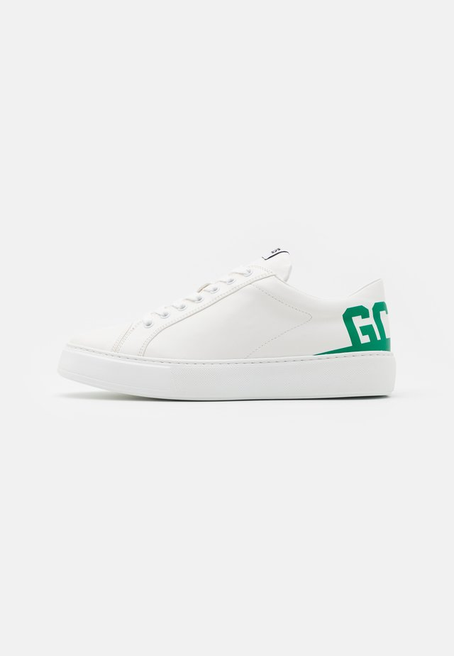 BUCKET  - Trainers - white/green