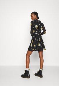 Even&Odd - Denní šaty - black / yellow - 2