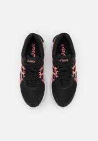 ASICS - GEL-SILEO 2 - Chaussures de running neutres - black/guava - 3