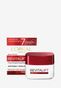 L'Oréal Paris Skin - REVITALIFT CLASSIC DAY CREAM - Face cream - - - 2