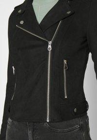Vero Moda - VMBOOSTBIKER SHORT JACKET - Faux leather jacket - black - 4