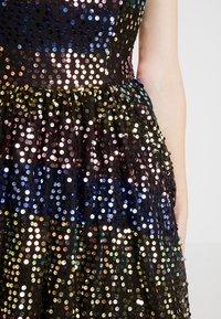 Maya Deluxe - SEQUIN BANDEAU MIDAXI DRESS - Robe de soirée - multi - 5