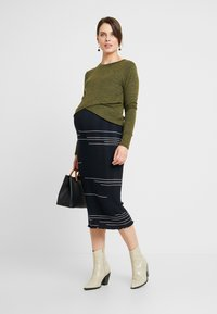 Cotton On - MATERNITY CROSS OVER FRONT LONG SLEEVE - Sweter - olive night - 1