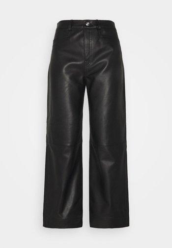 LIGHTWEIGHT CULOTTES - Kožené kalhoty - black