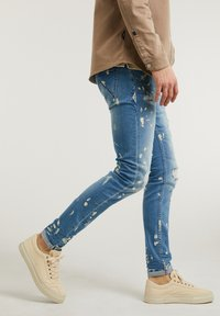 CHASIN' - EGO ZYON - Slim fit jeans - blue - 2
