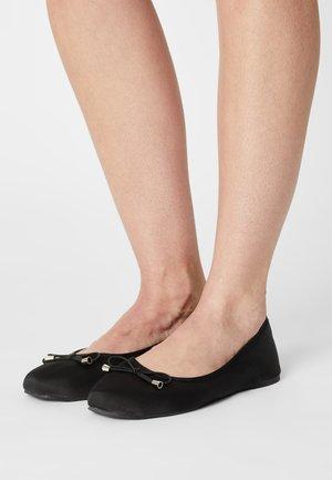 VMVIRA - Ballet pumps - black