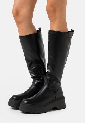 EVIE - Platform boots - black