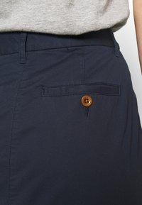 GANT - CLASSIC CHINO SKIRT - Pencil skirt - marine - 5
