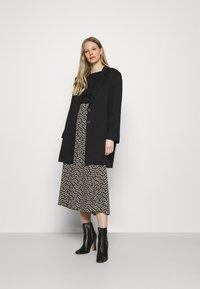 Marks & Spencer London - REGULAR CREW - Long sleeved top - black - 1